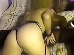Black tongue inside hot white pussy