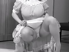 Cindy shows her knickers