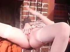 Bookish Babe Tutors In Sex Education - CDI