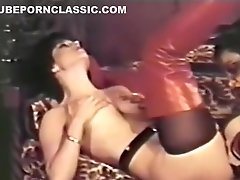 Lesbian Peepshow Loops 647 70s and 80s - Scene 4
