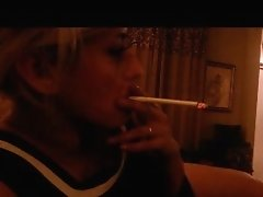 Fresh pin-up lady smoking  VS 120s!