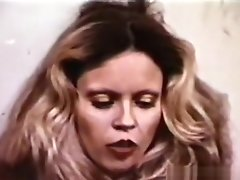 Lesbian Peepshow Loops 614 70's and 80's - Scene 4